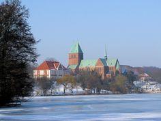 Domsee (Teil des Ratzeburger Sees), Herrenhaus und Dom in Ratzeburg im Kreis Herzogtum Lauenburg, Schleswig-Holstein, Deutschland