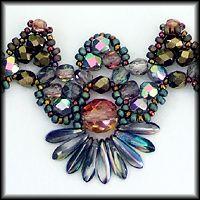 Kronleuchterjuwelen Glasperlenschmuck - silberbuntes Daggercollier (Detailfotos)