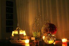 Confetti, fiori e candele per una magica atmosfera