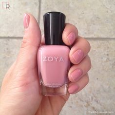 The RAEviewer - A blog about luxury and high-end cosmetics: Zoya Nail Polish in Mia Review, Photos, Swatches