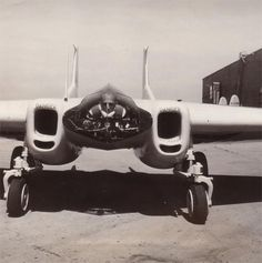 STRANGE EXPERIMENTAL AIRCRAFT - NORTHRUP XP-79 FLYING RAM - PILOT LAYS ON HIS STOMACH THIS FLYING WING!