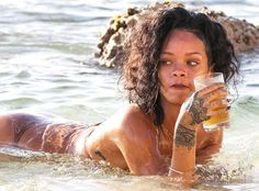 Rihanna & Cara Party Together in Barbados Rihanna Mode, Rihanna Riri, Rihanna Style, Saint Michael, Aaliyah, Rihanna Bikini, Rihanna Looks, Rihanna Outfits, Beautiful Black Girl