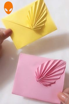 1 million+ Stunning Free Images to Use Anywhere Paper Folding Crafts, Paper Flowers Craft, Easy Paper Crafts, Paper Crafts Origami, Cardboard Crafts, Diy Arts And Crafts, Creative Crafts, Diy Paper, Origami 3d