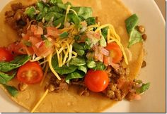 Feb 13-19 {Day Three} Meatless {Lentil} Tacos from @Kristen The Swanky Dietitian.  Adding in some mushrooms and serving with sliced apples topped with cinnamon.