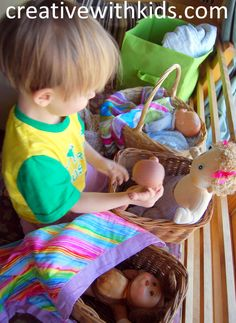 Putting all the babies to bed - five easy toddler activities For the Day 7 Creation Bin Toddler School, Toddler Play, Baby Play, Rainy Day Activities, Indoor Activities For Kids, Infant Activities, Love My Kids, Business For Kids, Kids Learning