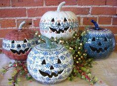 Love pumpkins, love Polish Pottery too ~