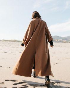 Fashion Gone rouge: Photo Next Coats, Fashion Gone Rouge, Fashion Outfits, Womens Fashion, Photoshoot Fashion, Photoshoot Ideas, Beautiful Moments, Fashion Details, Everyday Fashion