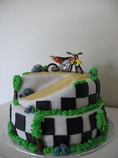 Dirt Bike Cake - thinking my cousin Kelsey's hubby would like this one!