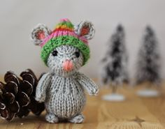 Little mouse in her hat, knitted wool stuffed mouse by Yarnigans on Etsy https://www.etsy.com/listing/87679731/little-mouse-in-her-hat-knitted-wool
