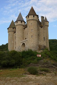 Castles of France - Château de Val, Lanobre, France. Real Castles, French Castles, Beautiful Castles, Beautiful Buildings, Chateau Medieval, Medieval Castle, Castle Ruins, Castle House, Mansion Homes