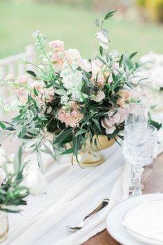 Pretty English Garden Inspiration | Bowtie & Belle Photography | Bridal Musings Wedding Blog