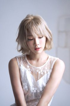 Taeyeon Short Hair, Kpop Short Hair, Blonde Hair Kpop, Blonde Asian Hair, Snsd, Seohyun, Kpop Kiss, Taeyeon 11 11, Girls Generation