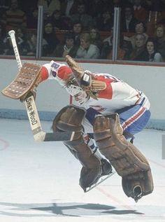 the ice is lava Flyers Hockey, Hockey Memes, Hockey Goalie, Ice Hockey, Hockey Players, Sports Memes, Hockey Pictures, Sports Pictures, Montreal Canadiens