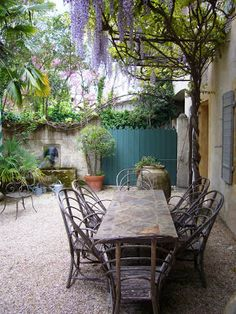 Garden Design: Dominique Lafourcade garden designer Mediterranean gardens in Southern France
