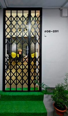10 Eye-Popping Homes in Singapore That Are Out Of The World Door Grill, Window Grill Design, House Gate Design, Door Gate Design, Entrance Ways, Main Entrance, Renovation Budget, Metal Gates, Painted Doors