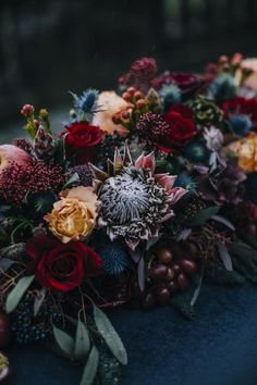 moody florals for a fall wedding