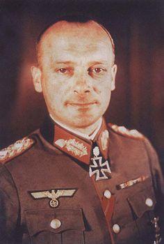 Oberst i. G Friedrich Schulz. Chef d. Gen.St. XXXXIII A.K. RK. 29.3.1942. EL. (428. 20.3.1944. S. (135) 26.2.1945.