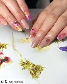 """#Repost @ryo_kitamura ・・・  """" Japanese fabrics """"  .  リアルな日本の伝統的な和紙を埋め込んだ、繊細かつ、洋風でどこか和風なアート。  少し春の気配を感じる本日に。 .  全国の @nailpartner 様で販売している、japanese fabric -basic coutureと -second couture を使用しています🌷  . Japanese Nail Art, Beauty, Cosmetology"""