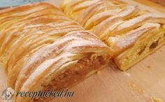 Almás és túrós kígyórétes Hungarian Recipes, Cake Cookies, Apple Pie, Sweets, Bread, Desserts, Food, Tailgate Desserts, Deserts