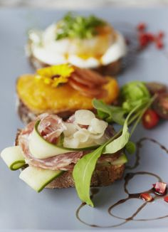 Café Ellefsen à Montréal: assiette smorrebrod Sandwiches For Lunch, Potato Salad, Good Food, Breakfast, Ethnic Recipes, Food, Kitchens, Scandinavian, Philosophy
