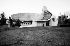 Chiesa di San Paolo Apostolo, by architects Benvenuto Villa and Maria Rosa Zibetti Ribaldone, 1971-1973. Gallarate, Italy.