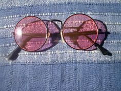 1 Sonnenbrille im 70er Jahre Stil Hippie Goa Brille schwarz rosa rund 70s 70 er