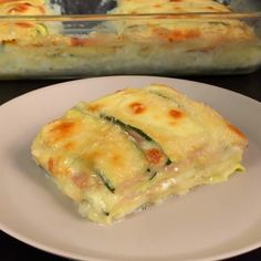 "This is ""Parmigiana bianca di zucchine"" by Al.ta Cucina on Vimeo, the home for high quality videos and the people who love them. I Love Food, Good Food, Yummy Food, Macedonian Food, Cucumber Recipes, Cooking Recipes, Healthy Recipes, Food Humor, Light Recipes"