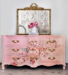 The relaxing and romantic tone from the shabby chic style causes it to be a well known option for bedrooms. White shabby chic furniture is usually best Decoupage Furniture, Repurposed Furniture, Shabby Chic Furniture, Furniture Projects, Furniture Makeover, Vintage Furniture, Diy Furniture, Luxury Furniture, Bedroom Furniture