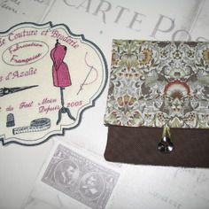 Pochette de sac en tissu floral marron  et tilleul 13.5 x 14.5 india port offert