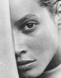 Salir a flote - Vogue Italia (1992) Christy Turlington by Herb Ritts