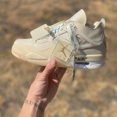 #hypebeast #sneakers #kicks #shoes #nike #adidas #yeezy #jordan #fashion #sneakersfemme #sneakershomme #unisex #streetwear #modestreetwear #modetendance #basketnikefemme #streetwearfashion #airmax #airforce #chaussures #chaussuresnike #chaussuresjordan #chaussuresretro #stockx #stockxsneaker Mode Streetwear, Streetwear Fashion, Hypebeast Sneakers, Basket Nike, Kicks Shoes, Fenty Puma, Bow Sneakers, Yeezy, Air Max