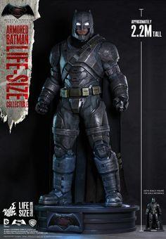 Batman vs Superman - Hoy Toys revela estátua do Cavaleiro das Trevas em tamanho real! - Legião dos Heróis