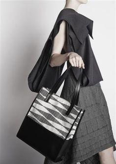L'eleganza è innata. #eleganza #stile #senzatempo   Elegance is an attitude. #madeinitaly #elegance #theperfectbag