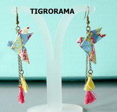 boucles d'oreille  origami colombe papier japonais et pampilles roses et jaunes de la boutique TIGRORAMA sur Etsy