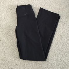 """Nike womens pants Xsmall Nike womens pants. Worn once, but a little too snug for my liking. Fits more like an xxsmall. For reference I normally wear a 25 in jeans. This fits more like a size 24. Length is perfect on me though with tennis shoes and I am 5'2"""". Nike Pants"""