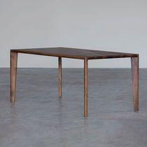 Mesa de jantar / contemporânea / em carvalho / em nogueira