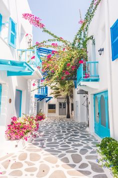 Ibiza Discover European Bucket List: 35 Things NOT To Miss When Traveling Europe European bucket list destination Greece. The island of Santorini. Greece Photography, Couple Photography, Travel Photography, Travel Through Europe, Bucket List Destinations, Travel Destinations, Best Holiday Destinations, Voyage Europe, Beautiful Places To Travel