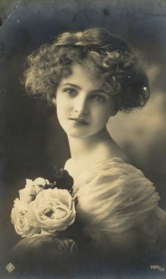 Another few days and hundred years have passed ... just a breath away... stunning (memory of a) girl ...vintage 1914 photo, beautiful :)