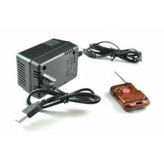 Tan sencillo como darle al botón del mando a distancia para que comience a grabar video de imagen y sonido a una resolución de 720x480. El adaptador viene con una capacidad de 16GB y una autonomía de la batería de unas 2 horas aproximadamente.