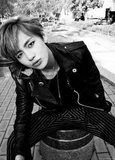 Bangtan Boys ❤ Kim Tae Hyung (v) Bts Taehyung, Jimin, Bts Bangtan Boy, Foto Bts, Bts Photo, Taehyung Fashion, Wattpad, Foto Twitter, Fanfiction