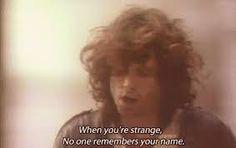 """Prazer Estranho!   No meio de uma playlist gigante do QUEEN que comecei a ouvir pois lembrei de você e deu vontade de ouvir do nada aparece o Pink Floyd melodiando um desejo recorrente meu uma vontade de ter você ao meu lado toda vez que vejo algo e penso que você gostaria de ver ou ouvir ou até mesmo comprar algo junto com a lembrança vem de dentro um """"Wish You Were Here"""" . E nem faço ideia se você curte PF ou nãomas talvez quem sabe você também lembre de mim às vezes ao ver algo no…"""