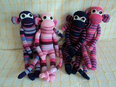 monos hechos con calcetines