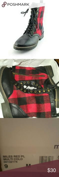 Madden Girl Miles Womens Synthetic Fashion New in box Madden Girl Shoes Lace Up Boots