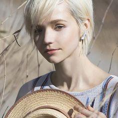 「alisa k」の画像検索結果 Short Hair Cuts, Short Hair Styles, Human Photography, Hipster Grunge, Gisele, Portrait Inspiration, Woman Face, Hair Beauty, Female Face