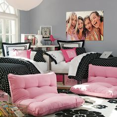 Awesome And Creative Teenage Bedroom Decor Idea With Black Bedding Set | Pictures, Photos, Images