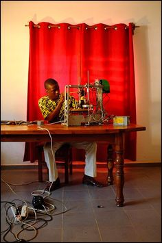 w.afate 3D printer made almost entirely from e-waste
