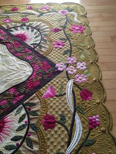 quilting inspiration - love the dogwood blossoms applique quilt
