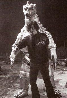 Japanese man teaches Mecha Godzilla