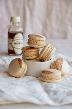 french toast macarons