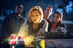 Doctor Who news. Read the latest Doctor Who news, features, articles, updates and features. BBC Doctor Who news Doctor Who Season 11, New Doctor Who, First Female Doctor, Sinclair, Doctor Who Christmas, New Year Special, 13th Doctor, Film Streaming Vf, Bbc America